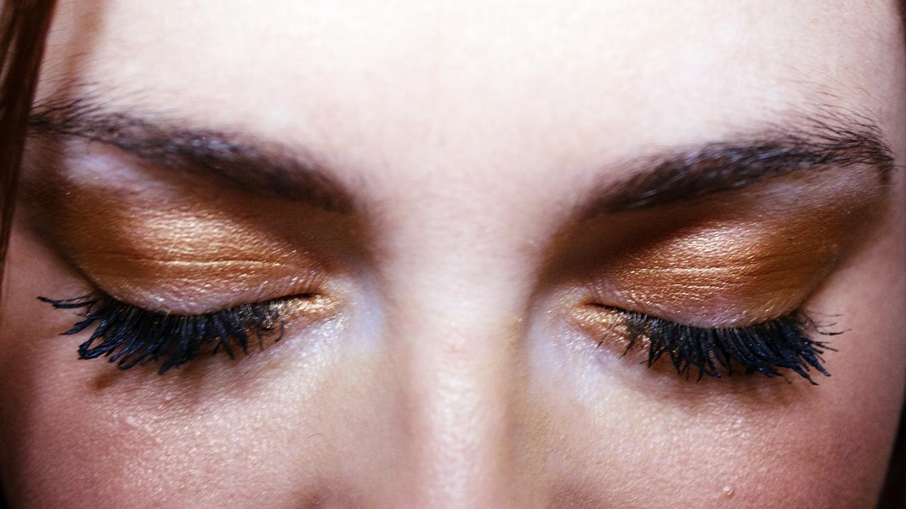 MAC Amber Lights makeup look